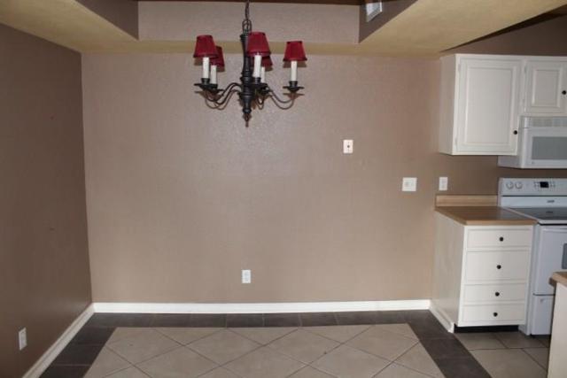14419 N Pennsylvania, Oklahoma City, OK 73134 (MLS #818340) :: KING Real Estate Group