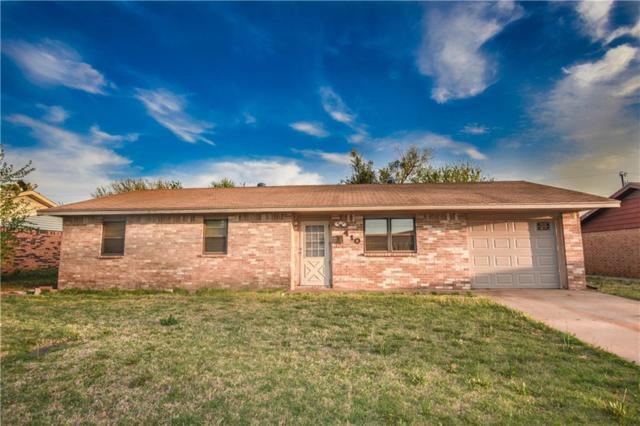 410 Hoover, Elk City, OK 73644 (MLS #818585) :: Wyatt Poindexter Group