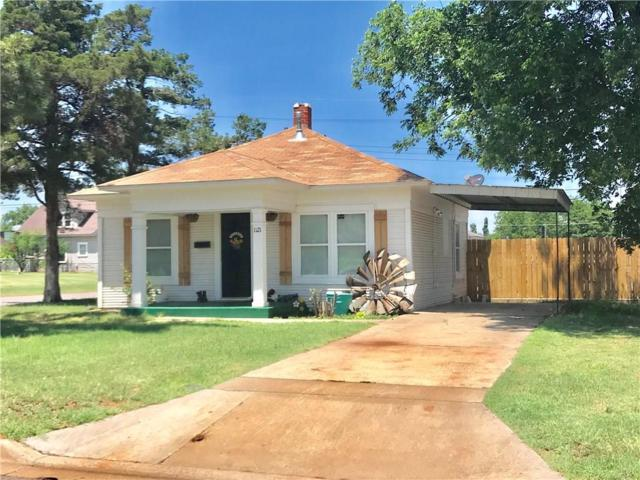 1121 W Broadway, Elk City, OK 73644 (MLS #822357) :: Erhardt Group at Keller Williams Mulinix OKC