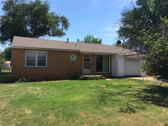 410 Eisenhower, Elk City, OK 73644 (MLS #822371) :: Wyatt Poindexter Group