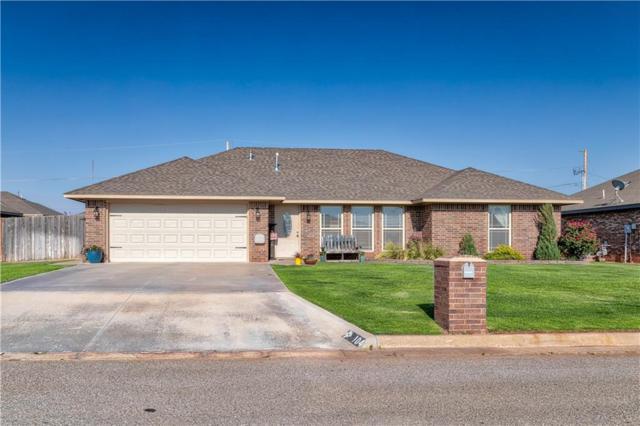 104 Woodridge, Elk City, OK 73644 (MLS #822627) :: Wyatt Poindexter Group