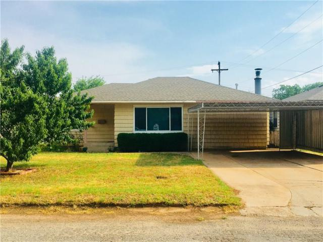 121 Thornton, Elk City, OK 73644 (MLS #823754) :: Homestead & Co