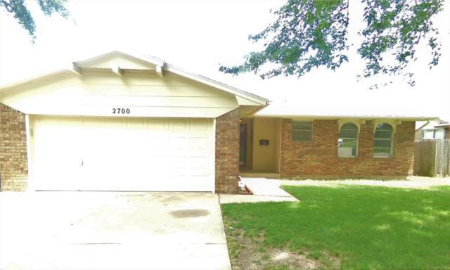 2700 N Larkspur Street, Moore, OK 73160 (MLS #824317) :: Wyatt Poindexter Group