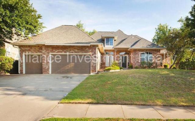2425 Ashebury Way, Edmond, OK 73034 (MLS #825735) :: Homestead & Co