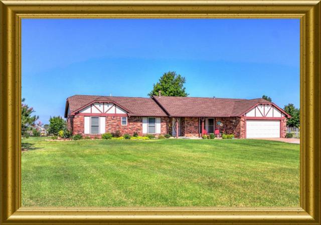 20821 N May, Edmond, OK 73012 (MLS #828560) :: Homestead & Co
