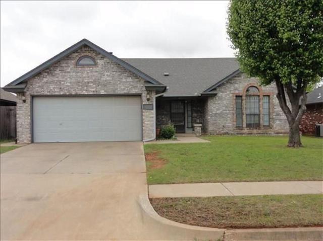1009 Northridge Road, Moore, OK 73160 (MLS #829335) :: Barry Hurley Real Estate