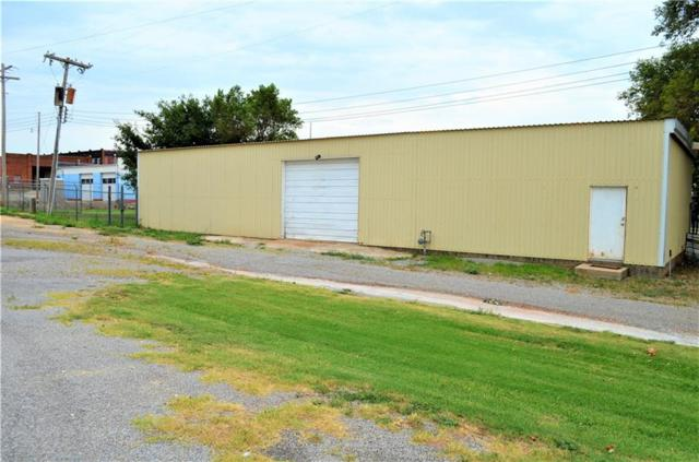 101 N West, Cordell, OK 73632 (MLS #829743) :: Homestead & Co