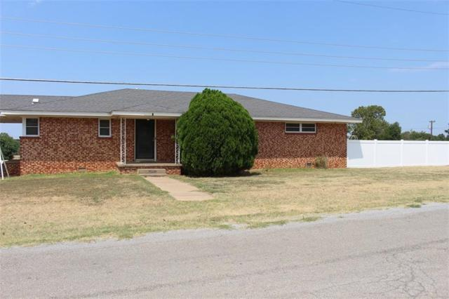 301 N Bryan, Mangum, OK 73554 (MLS #830839) :: Wyatt Poindexter Group