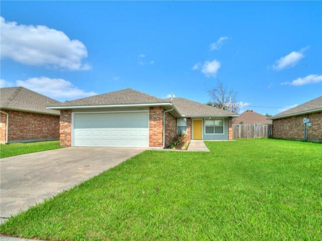 1717 Queensbury Road, Moore, OK 73160 (MLS #833410) :: Homestead & Co