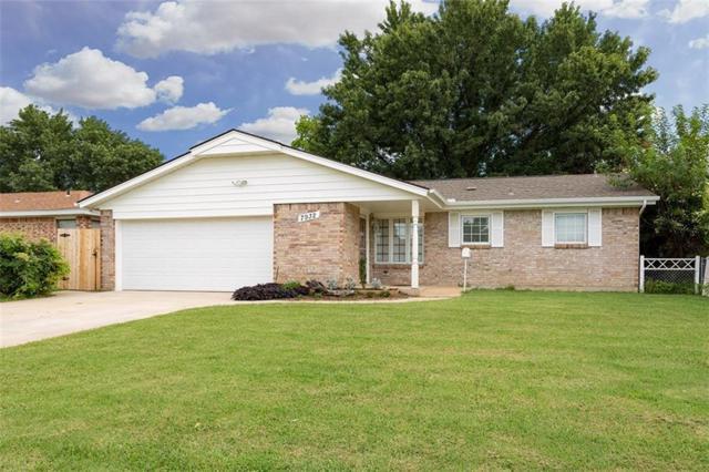 7932 S Mckinely Avenue, Oklahoma City, OK 73139 (MLS #834134) :: Homestead & Co