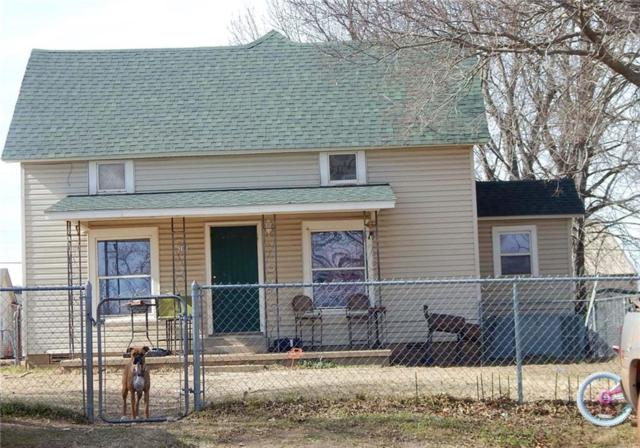 205 N Pecan, Crescent, OK 73028 (MLS #834412) :: Homestead & Co