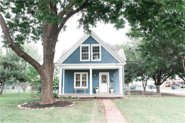 727 S 5th Street, Chickasha, OK 73018 (MLS #836463) :: Homestead & Co