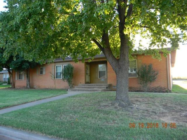 2005 W 7th Place, Elk City, OK 73644 (MLS #837070) :: UB Home Team