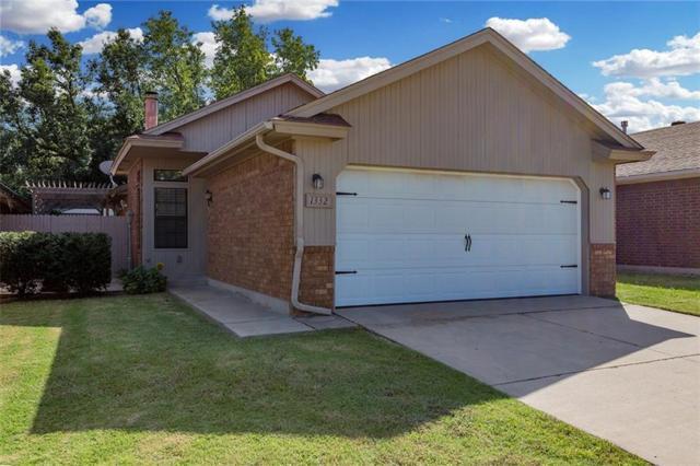 1332 SW 96 Street, Oklahoma City, OK 73159 (MLS #838515) :: KING Real Estate Group