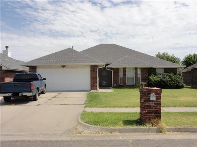14312 S Hudson Avenue, Moore, OK 73170 (MLS #840246) :: Barry Hurley Real Estate