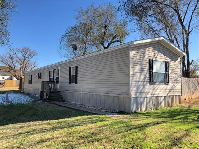 205 S 18th, Clinton, OK 73601 (MLS #843392) :: UB Home Team