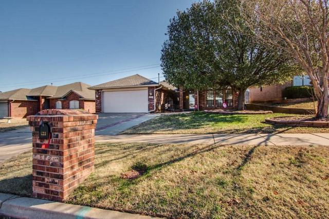 121 Sandstone, Norman, OK 73071 (MLS #843638) :: Homestead & Co
