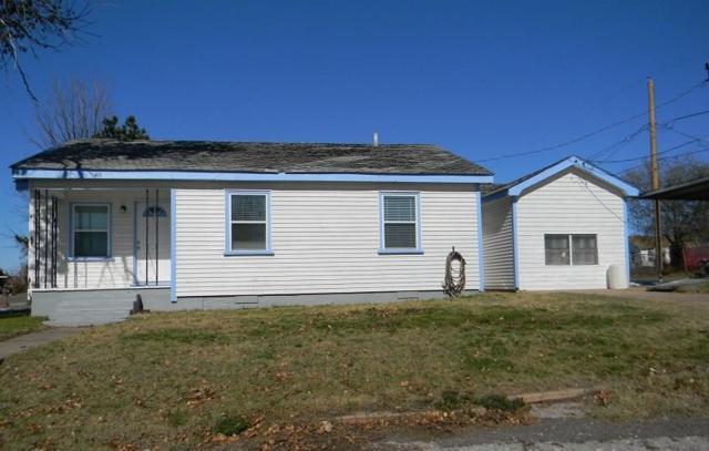 411 W Lincoln, Sayre, OK 73662 (MLS #846138) :: Homestead & Co