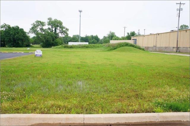 1212 S Air Depot, Midwest City, OK 73110 (MLS #846519) :: Homestead & Co