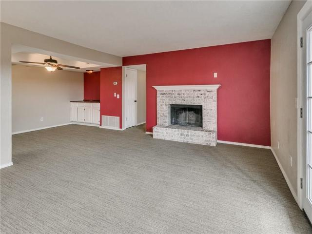 3003 River Oaks Drive #115, Norman, OK 73072 (MLS #852186) :: Homestead & Co