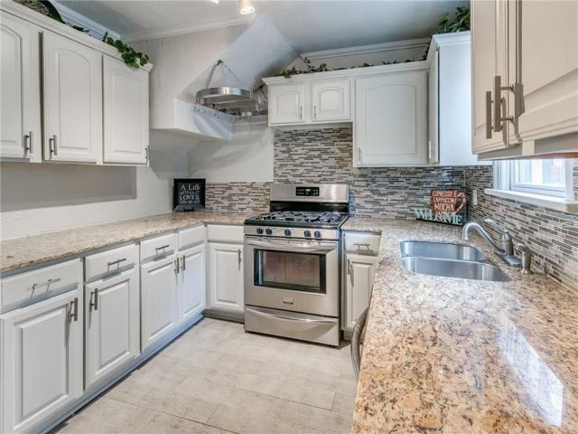 2505 NW 25th Street, Oklahoma City, OK 73107 (MLS #852584) :: Homestead & Co