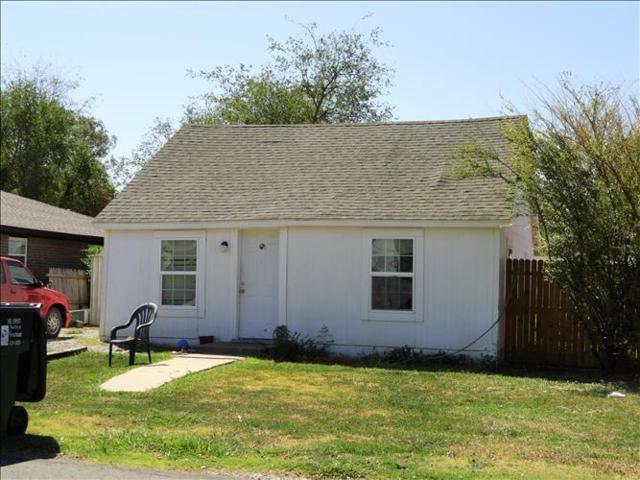 210 E Mosier Street, Norman, OK 73069 (MLS #852732) :: Homestead & Co