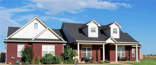 1222 W Fay Avenue, Kingfisher, OK 73750 (MLS #853422) :: Homestead & Co