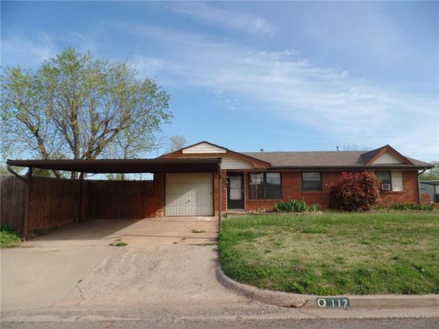 117 S Irving Drive, Moore, OK 73160 (MLS #861654) :: Homestead & Co