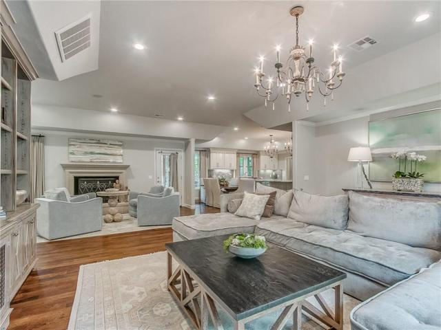 8113 Glenwood Avenue, Oklahoma City, OK 73114 (MLS #863710) :: Homestead & Co