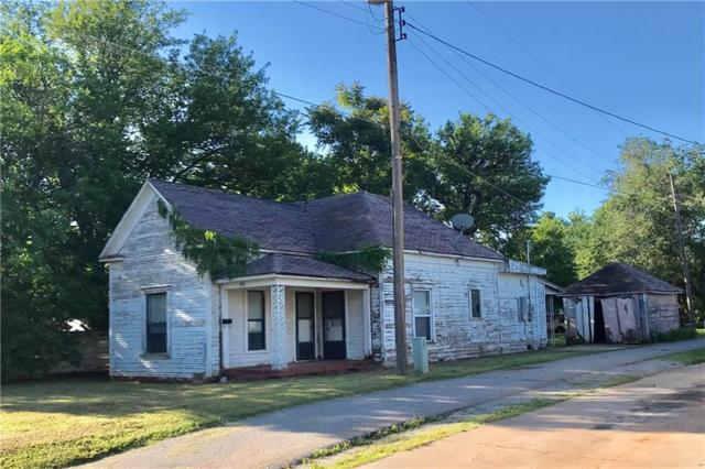 408 W B Avenue, Elk City, OK 73644 (MLS #866901) :: Homestead & Co