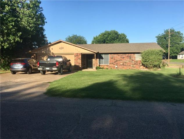 710 N Walker Avenue, Elk City, OK 73644 (MLS #868991) :: Homestead & Co