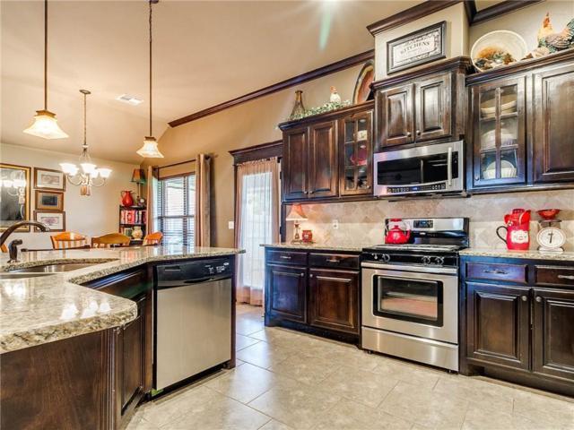 19121 Summer Grove Avenue, Edmond, OK 73012 (MLS #869216) :: Homestead & Co