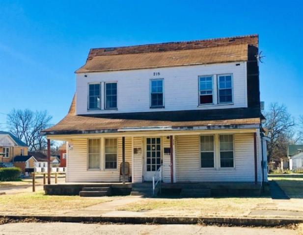 201 S Ash Street, Pauls Valley, OK 73075 (MLS #869408) :: Homestead & Co