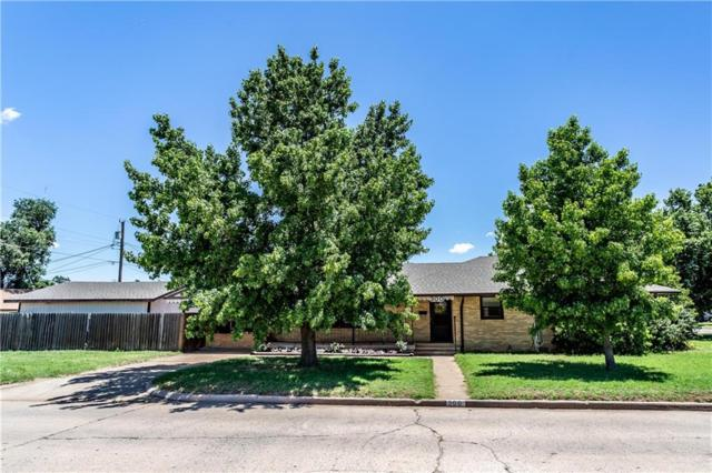 300 N Bradley, Weatherford, OK 73096 (MLS #870808) :: Homestead & Co