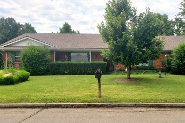 140 Sheridan Place, Chickasha, OK 73018 (MLS #871711) :: Erhardt Group at Keller Williams Mulinix OKC