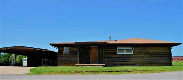 718 E 2nd Street, Cordell, OK 73632 (MLS #871841) :: Homestead & Co