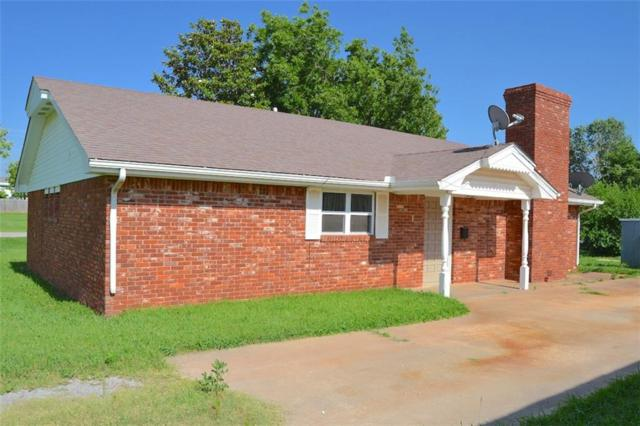 804 E 2nd Street, Cordell, OK 73632 (MLS #872719) :: Homestead & Co