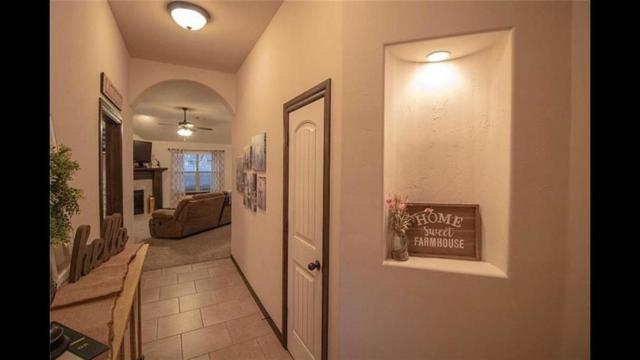 11136 SW 38th Circle, Mustang, OK 73064 (MLS #875524) :: Denver Kitch Real Estate