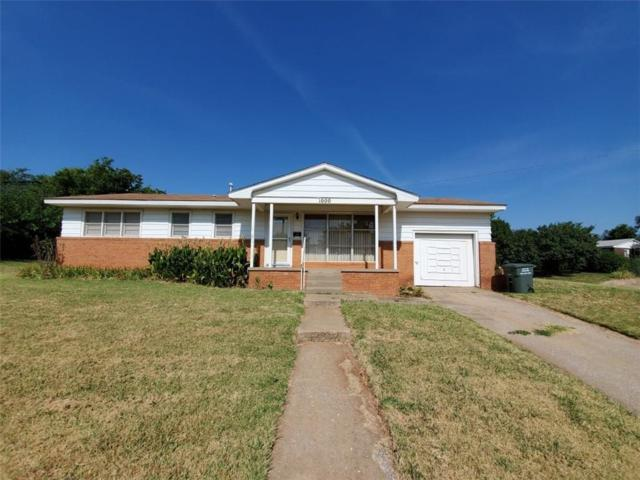 1000 Circle Drive, Clinton, OK 73601 (MLS #877375) :: Homestead & Co