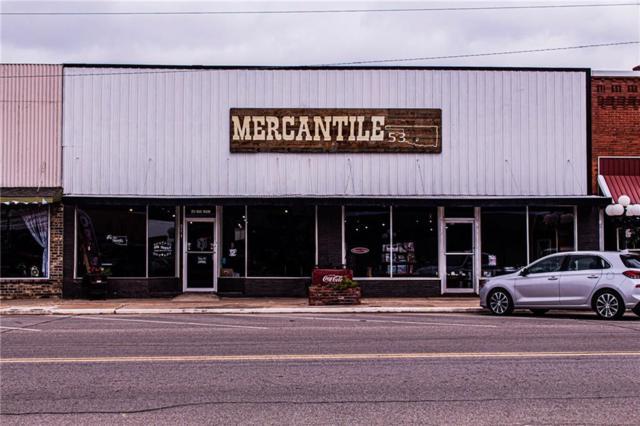 211 Oak Main Street, Comanche, OK 73529 (MLS #878486) :: Homestead & Co