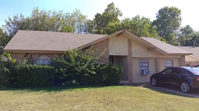1040 NW 23rd Street, Moore, OK 73160 (MLS #883511) :: Erhardt Group at Keller Williams Mulinix OKC