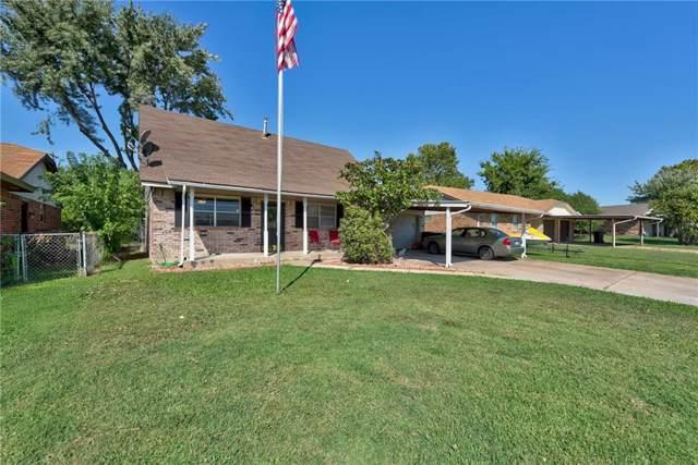 913 Crestmoor Drive, Moore, OK 73160 (MLS #884245) :: KING Real Estate Group