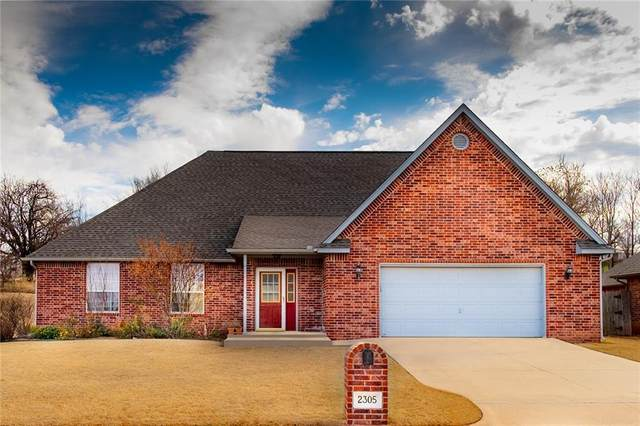 2305 W 24th Avenue, Stillwater, OK 74074 (MLS #885397) :: Homestead & Co