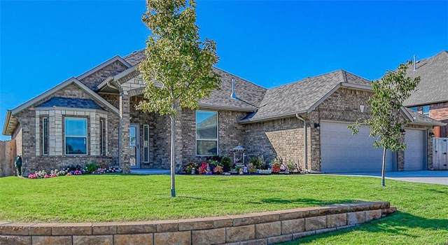 3204 Wood Valley Road, Norman, OK 73071 (MLS #885642) :: Homestead & Co