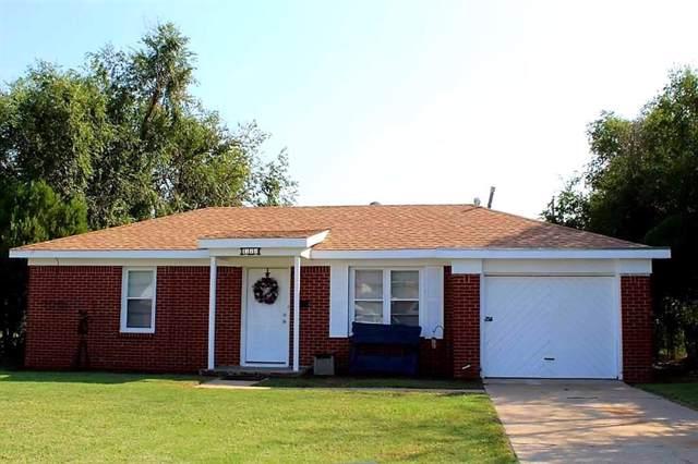1320 E Oakhurst Street, Altus, OK 73521 (MLS #886211) :: Homestead & Co