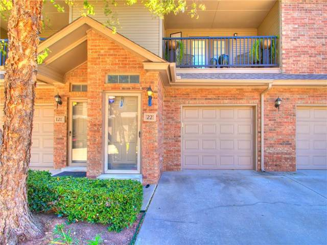 6162 N Brookline Avenue #22, Oklahoma City, OK 73112 (MLS #886404) :: Erhardt Group at Keller Williams Mulinix OKC