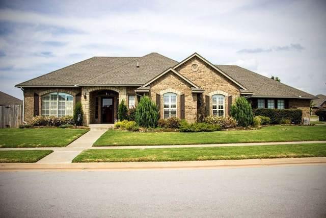1121 Bryan, Moore, OK 73160 (MLS #886491) :: Homestead & Co