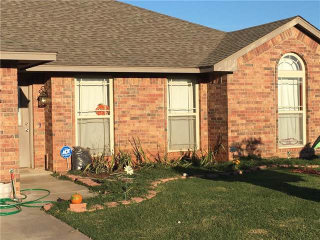 108 Hunter Hill Drive, Elk City, OK 73644 (MLS #886699) :: Homestead & Co