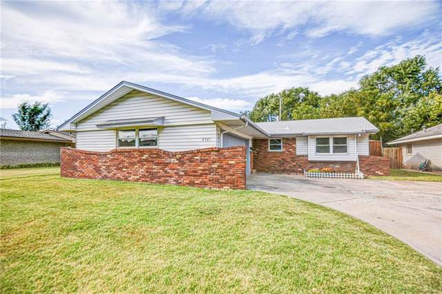 2521 SW 66th Street, Oklahoma City, OK 73159 (MLS #886953) :: Erhardt Group at Keller Williams Mulinix OKC