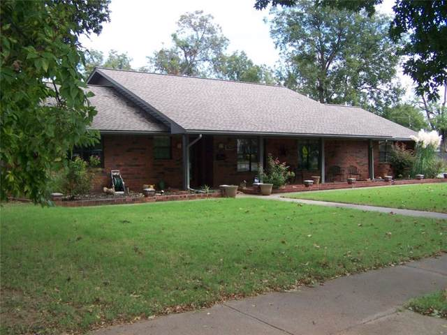 500 N Ash Street, Pauls Valley, OK 73075 (MLS #886994) :: Erhardt Group at Keller Williams Mulinix OKC